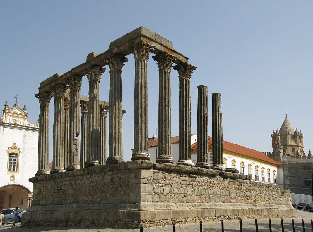 Храм Templo Romano